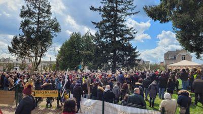 Quimperlé: Plus de 600 personnes rassemblées contre les mesures...