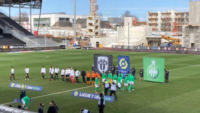 Angers SCO se prend les pieds dans le tapis face à Saint-Etienne...
