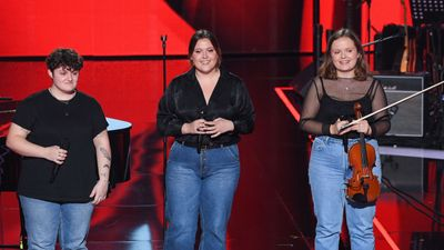 "The Voice : Le trio ""Pottok on the Sofa"" participera aux K.O..."