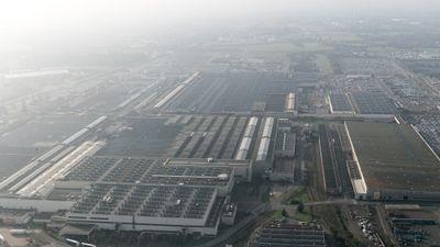 Reprise du travail à l'usine PSA de Chartres-de-Bretagne