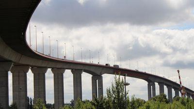 Une manifestation en cours sur le pont de Cheviré