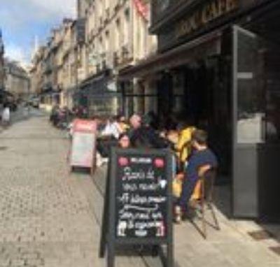 A Caen, les terrasses prises d'assaut pour la réouverture