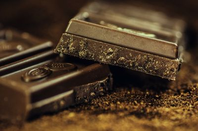 Moelleux au chocolat et à la gelée de coings