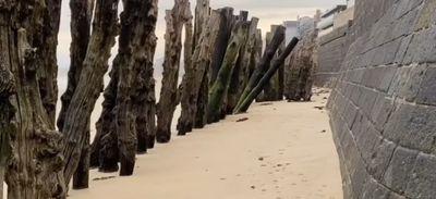 Les brises lames de Saint-Malo vendus aux enchères