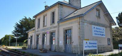Les gares SNCF de l'Ouest se réinventent : reportage à Carnac