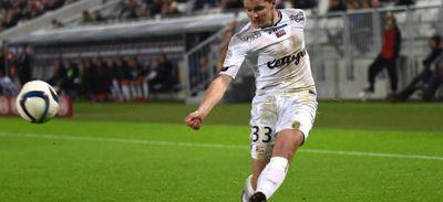 Foot - Ligue 2 : victoire Guingampaise