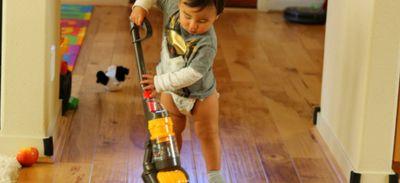 Un jouet aspirateur pour enfant... Qui aspire vraiment !