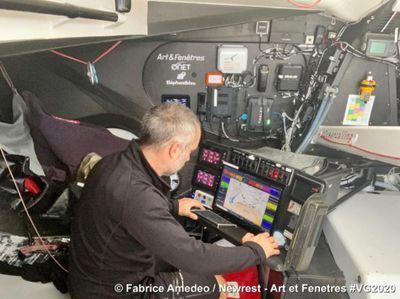 Vendée Globe : Fabrice Amedeo abandonne après ses avaries...
