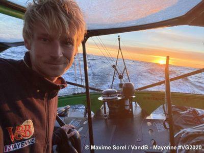 "Vendée Globe, semaine 9 : Maxime Sorel ""admirable"" pendant son..."