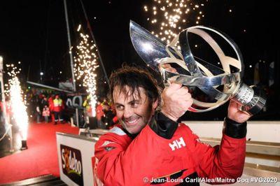 Vendée Globe : Yannick Bestaven ravit le 9e Vendée Globe à Charlie...