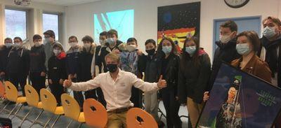 Château-Gontier. Maxime Sorel a rendu visite à des collégiens et...