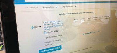 """Vaccination en Mayenne. La prise de rendez-vous """"un non-sens total""""..."""