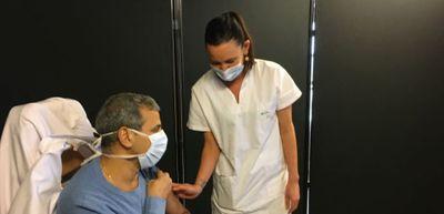 """En Mayenne, une opération de vaccination """"exceptionnelle"""" au centre..."""