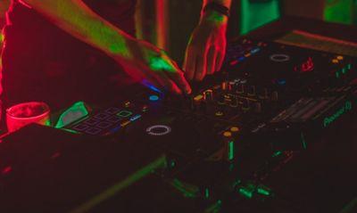 Le sound system détruit lors de la free party de Redon