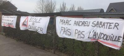 La mobilisation continue à l'école Saint Exupéry à Vire Normandie