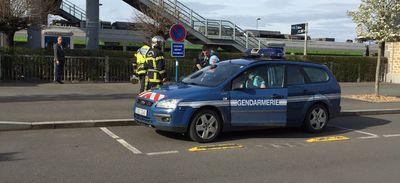 Colis suspect dans le train Paris-Granville : les démineurs le font...