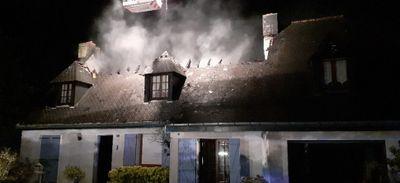 La Turballe : la toiture d'une maison ravagée par un incendie