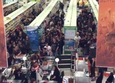Vidéo : quand les (nombreux) fans du Hellfest font leurs courses
