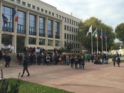 Saint-Nazaire : mobilisation pour soutenir un lycéen congolais...