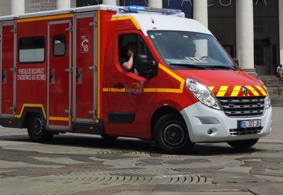 Accident voiture contre autocar au Loroux-Bottereau : deux morts