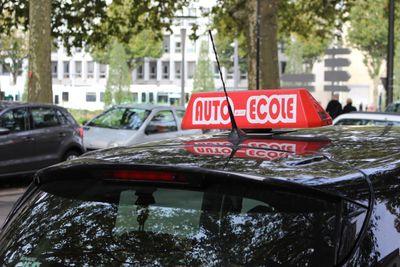 Nantes : des auto-écoles verbalisées