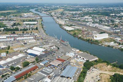 Incident sur le port de Nantes-Saint-Nazaire : un navire heurte le...