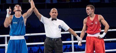 Boxe - Sofiane Oumiha assuré d'une médaille, il veut l'or.