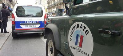 """Menace terroriste : les préfets appelés à la """"vigilance"""" cet été"""