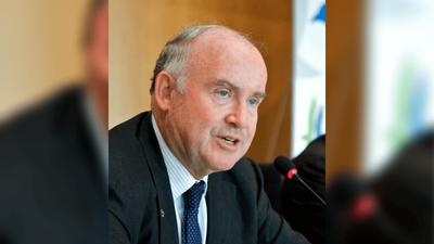 Politique : Dominique Bussereau quitte l'Assemblée des départements