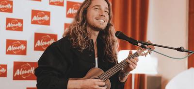 Julien Doré reporte sa tournée et annonce de nouvelles dates de Zénith