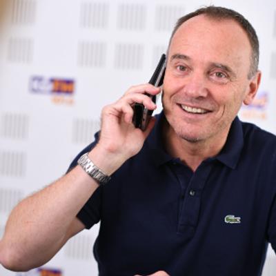 Franck, Directeur d'antenne.