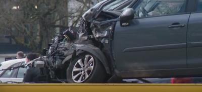 Nantes : un tram percute violemment une voiture