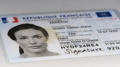 Pourquoi le format de la carte d'identité change-t-il en 2021?