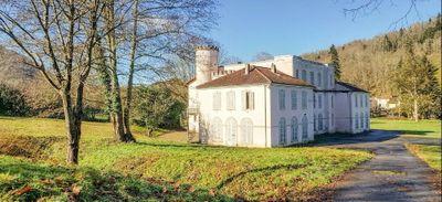 Ce château mis en vente à 90.000 euros par la ville de Paris