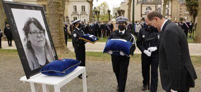 Policière tuée à Rambouillet : une cérémonie d'hommage national