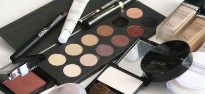 """""""Plastic act"""" : le secteur des cosmétiques veut réduire son..."""