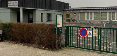 une classe de St Germain de Tallevende restera fermée cette semaine