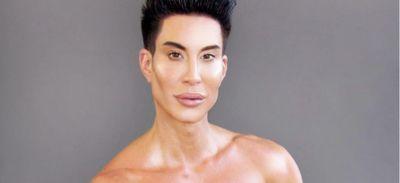 """Véritable """"Ken humain"""", il opère une nouvelle partie de son corps..."""
