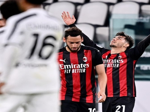 SERIE A : La Juve tombe, Milan en force.