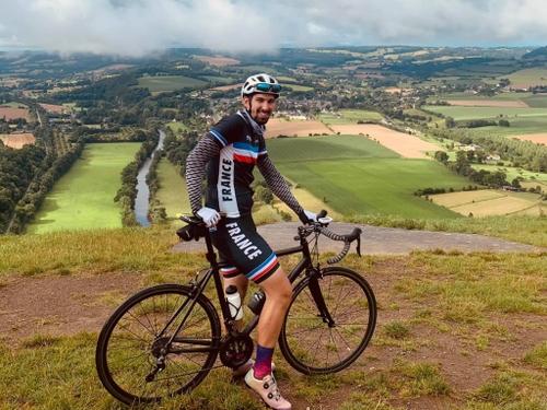 Son objectif : faire le tour du Calvados à vélo en moins de 17h