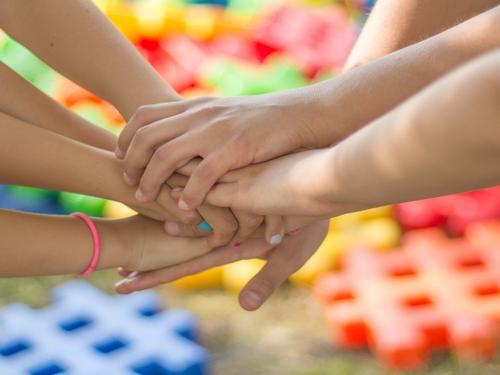Cluster et covid chez les enfants : au revoir les vacances