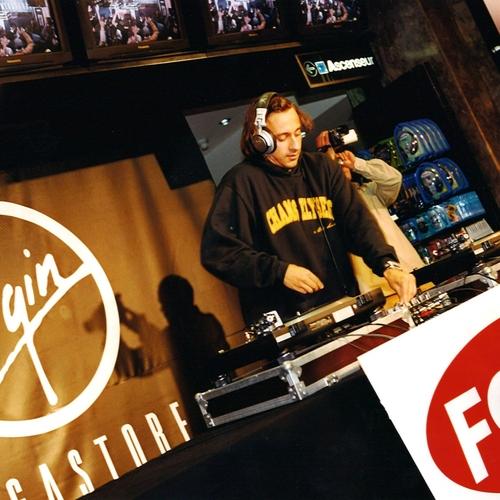 DJ Set Virgin Megastore
