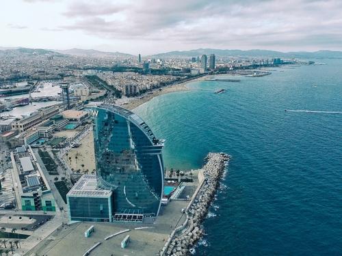 Actu Covid : bars de nuit et discothèques restent fermés en Catalogne