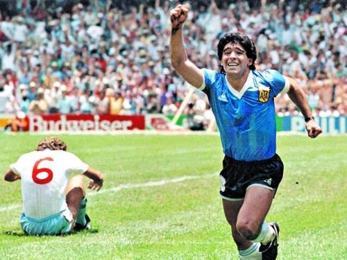 Un match hommage à Maradona entre le Barça et Boca Jr, le 14 décembre