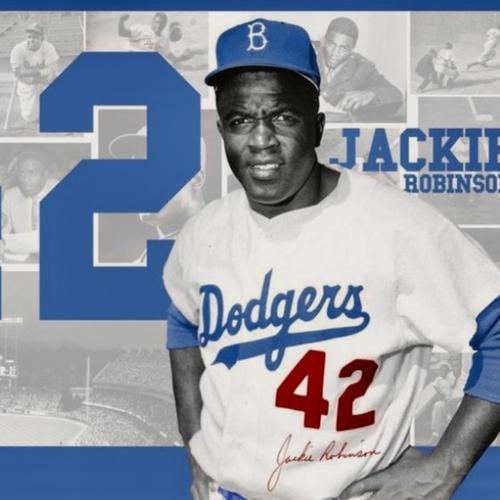 Jackie Robinson, premier Afro-américain à jouer dans la Ligue...