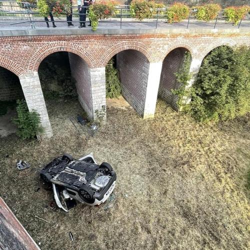 Le Quesnoy : une voiture chute de 7 mètres dans les remparts