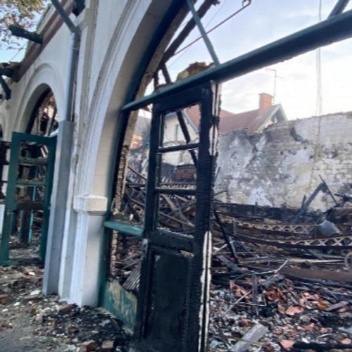 Six personnes interpellées après l'incendie de l'école Jean Macé à...