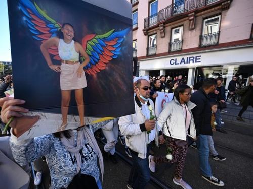 A Mulhouse, l'émouvante marche blanche en mémoire de Dinah, victime...