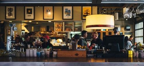 Bars et restaurants : les trois étapes d'une réouverture dont on...