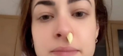 S'enfoncer de l'ail dans le nez : ce faux remède contre le rhume...